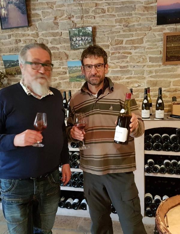 Les vins du Domaine Rapet Père & Fils à Pernand-Vergelesses en Bourgogne sont dans nos caves à vins à Marseille